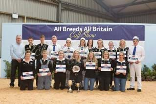 2018 UK exchange winner, Amabel Grinter (back row 3rd from left) at the All Breeds All Britain Calf Show.